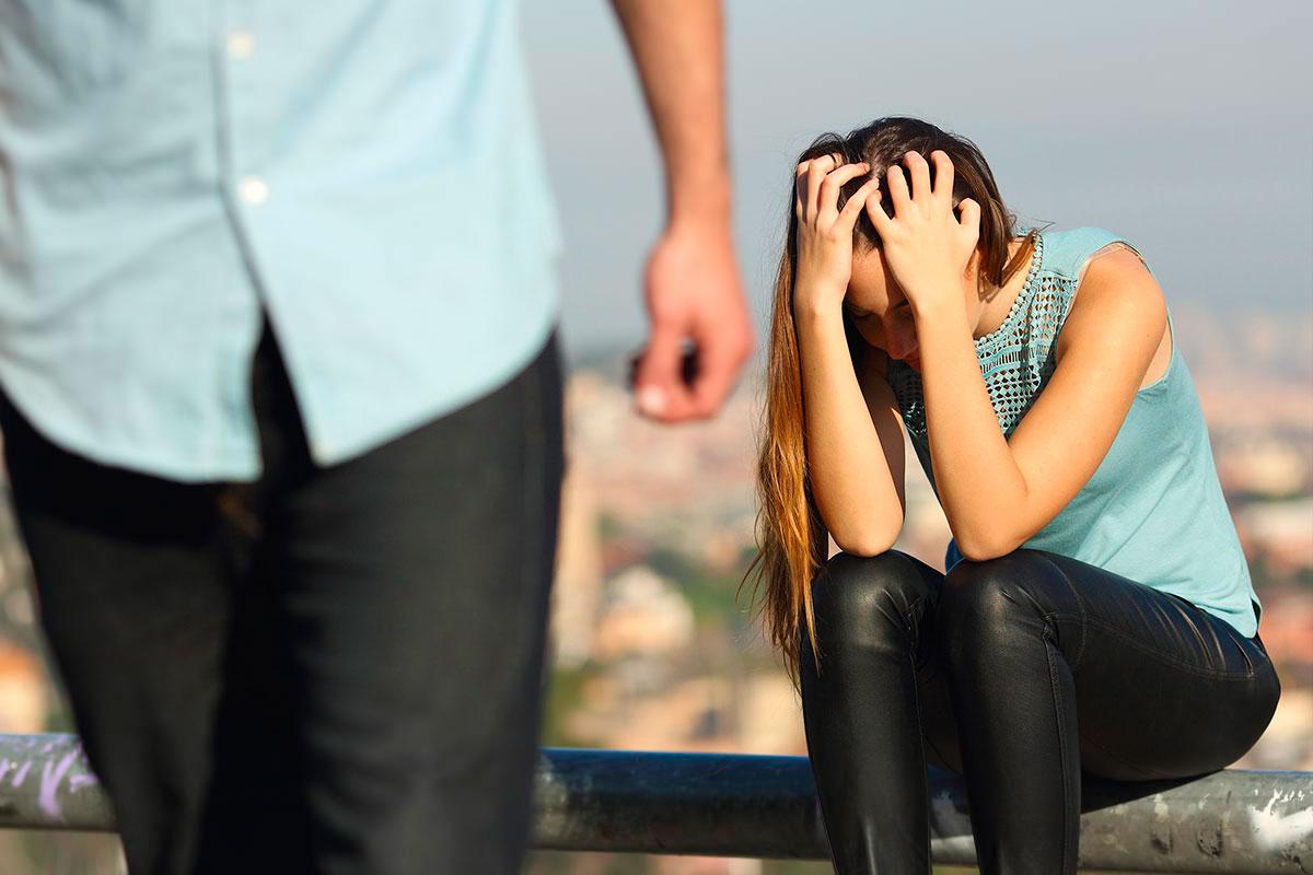 Без Подруг » Изменяет мужу пока он спит